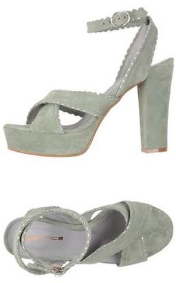 GARRICE Sandals