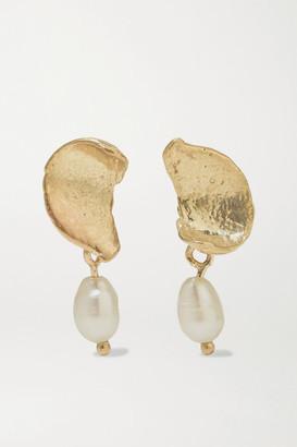 WWAKE + Net Sustain Dewdrop Gold Pearl Earrings - one size