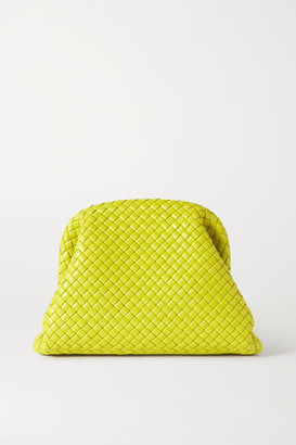 Bottega Veneta The Pouch Intrecciato Leather Clutch - Green