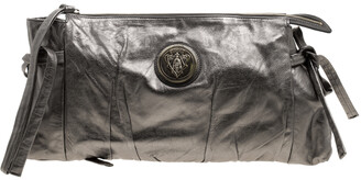 Gucci Metallic Grey Leather Large Hysteria Clutch