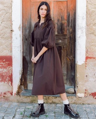 Beaumont Organic AW20 - Meilani Organic Cotton Dress In Chocolate - Chocolate / Extra Small