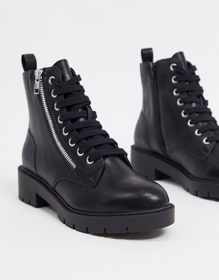 New Look lace up chunky boot in black