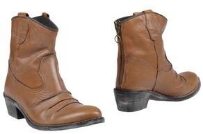 Alberto Moretti Ankle boots