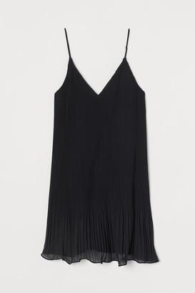 H&M Pleated Chiffon Dress - Black