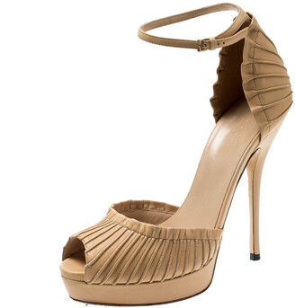 Gucci Beige Leather Taryn Peep Toe Ankle Strap Platform Sandals Size 37.5