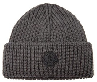 Moncler Rubber-logo Ribbed Wool Beanie Hat - Dark Grey