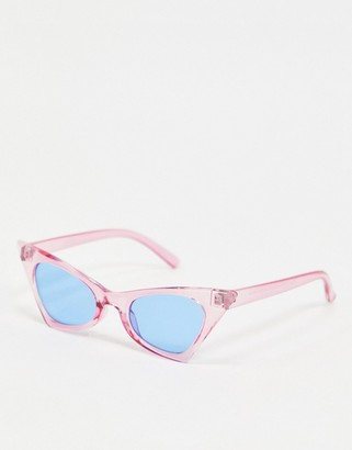 Pieces angular sunglasses in lilac with blue reflective lenses