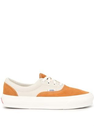 Vans Two-Tone Low Top Sneakers