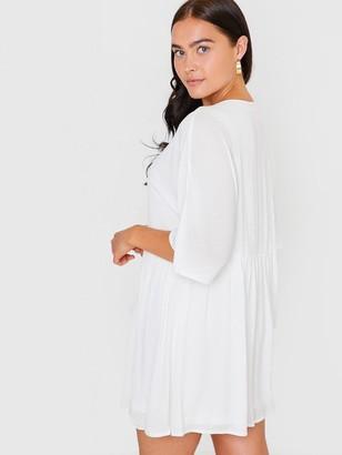 In The Style XJac Jossa V Neck Trapeze Dress - White