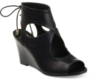 Journee Collection Women's Camia Wedges Women's Shoes