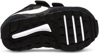Nike MD Valiant Infant Trainer - Black/White