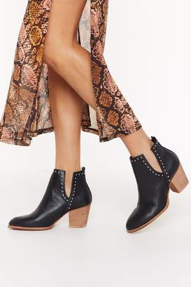Nasty Gal Womens Rev My Engine Studded Cut-Out Ankle Boot - black - 3