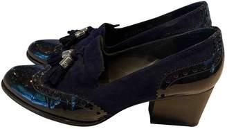 Stuart Weitzman Navy Patent leather Heels