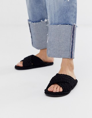 ASOS DESIGN Fin premium cross strap rope sliders in black