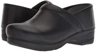 Dansko XP 2.0 (Black Waterproof) Men's Clog Shoes