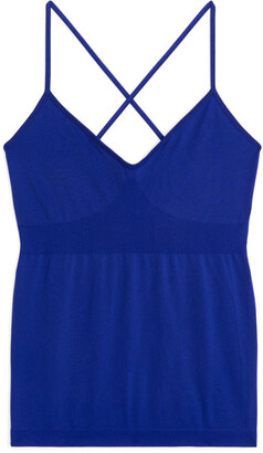 Arket SeamlessTM Yoga Cross-Back Top