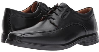 Clarks UnKenneth Way (Brown Leather) Men's Lace Up Wing Tip Shoes