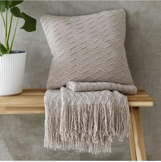 Catherine Lansfield Chevron Knit Throw125x150