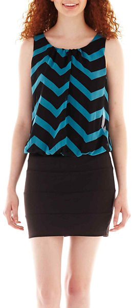 Trixxi Sleeveless Chevron Print Blouson Dress