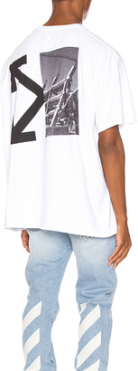 Off-White Splitted Arrows Oversized Tee in White & Black | FWRD