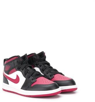 Nike Jordan 1 mid-top sneakers