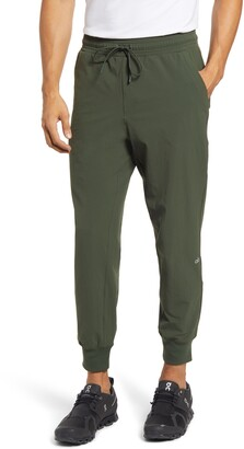 Alo Co-Op Water Repellent 7/8 Joggers