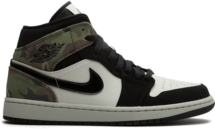"Jordan Air 1 Mid ""Camo"" sneakers"