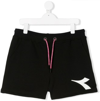 Diadora Junior TEEN logo-print shorts