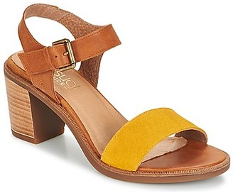Casual Attitude CAILLE women's Sandals in Yellow