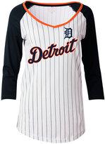 5th & Ocean Women's Detroit Tigers Pinstripe Glitter Raglan T-Shirt