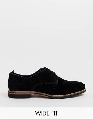 Asos Design DESIGN Wide Fit lace up shoes in black suede with contrast sole