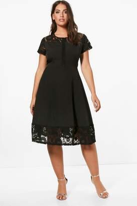 boohoo Plus Lace Panelled Cap Sleeve Skater Dress