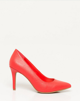 Le Château Faux Leather Pointy Toe Pump