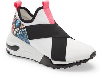Steve Madden Cryme Slip-On Sneaker