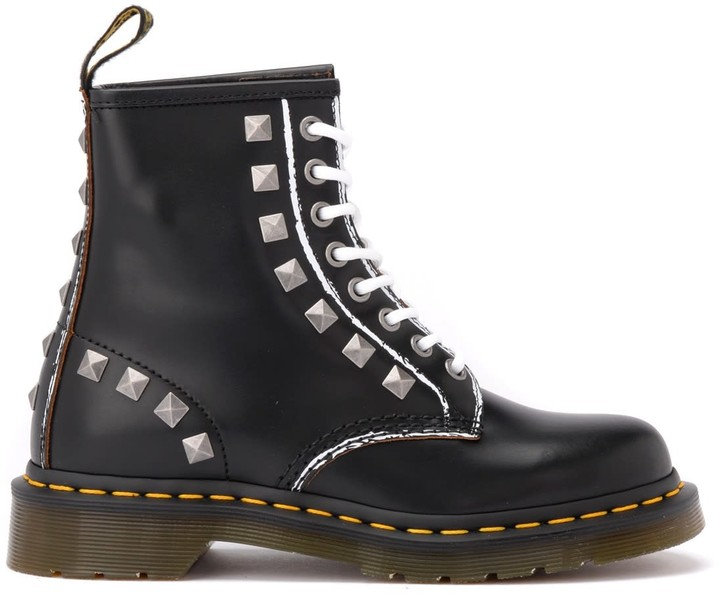 Religioso Sopra la testa e le spalle Mobilitare  Dr Martens Studded Shoes | Shop the world's largest collection of fashion |  ShopStyle