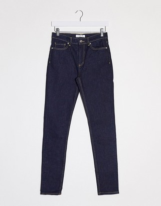 Lacoste skinny jeand on light rinse