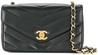 Chanel Pre Owned 1994-1996 V-Stitch chain shoulder bag