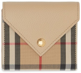 Burberry Vintage Check Leather Folding Wallet