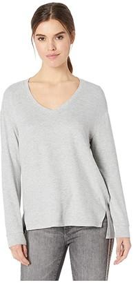 Cupcakes And Cashmere Gazella Ultra Soft V-Neck Sweater (Heather Grey) Women's Sweater