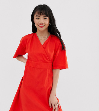 Vero Moda Petite tie back v-neck dress-Red