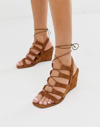 Asos Design DESIGN Hansel suede mid heeled wedges in tan