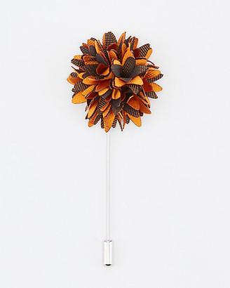 Le Château Flower Lapel Pin