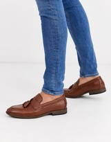 New Look faux leather tassel loafer in tan