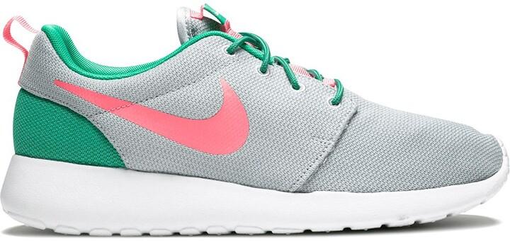 vaquero De ninguna manera Dentro  Nike Roshe One sneakers - ShopStyle