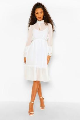 boohoo High Neck Frill Sleeve Maxi Dress