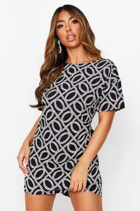 boohoo Chain Print Short Sleeve Shift Dress