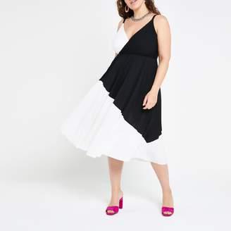 River Island Womens Plus White colour block wrap cami dress