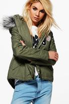 Boohoo Saskia Short Badge Faux Fur Collar Parka