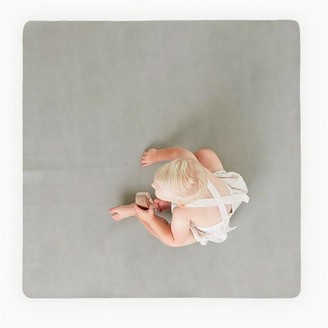 Gathre Mini Leather Highchair Mat, Tummy Time Mat, Playmat in Pewter