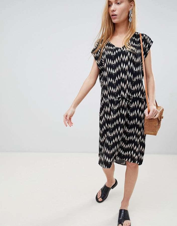 B.young Zig Zag Print Shift Dress